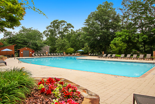 Lodge on the Chattahoochee - 9401 Roberts Dr, Sandy Springs, GA 30350