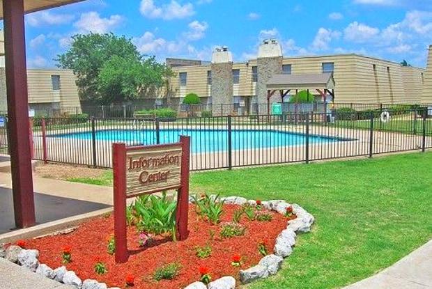 Cinnamon Square - 6624 S May Ave, Oklahoma City, OK 73159