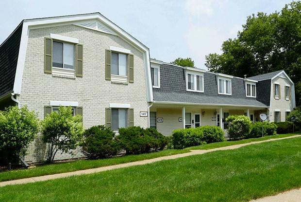 Waverly Place - 1412 Banbury Rd, Kalamazoo, MI 49001