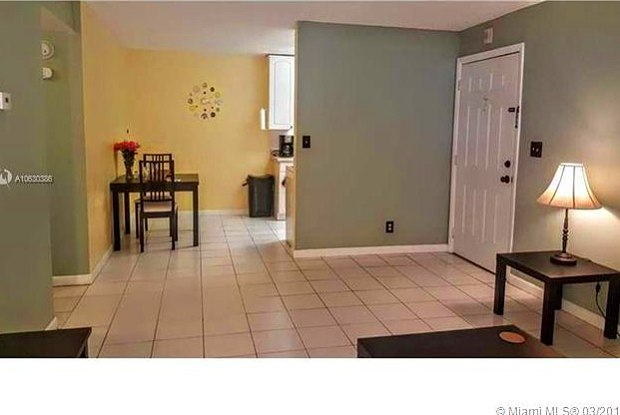 900 NE 26th St - 900 Northeast 26th Street, Wilton Manors, FL 33305