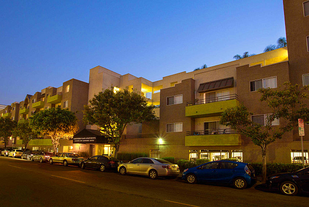Hampshire Place - 501 S New Hampshire Ave, Los Angeles, CA 90020