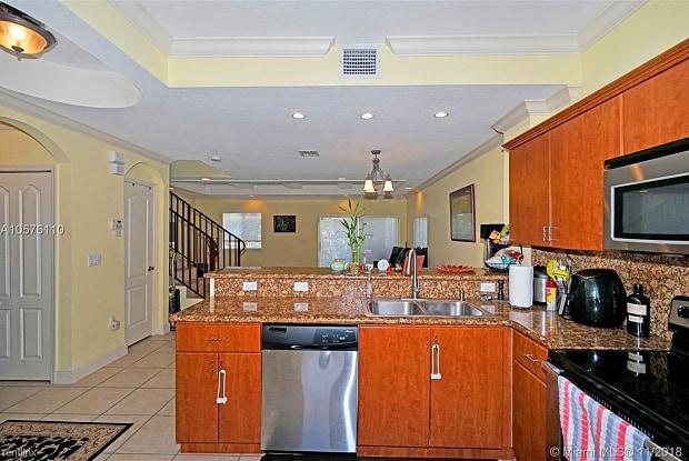11691 NE 18th Dr # 11691M - 11691 Northeast 18th Drive, North Miami, FL 33181