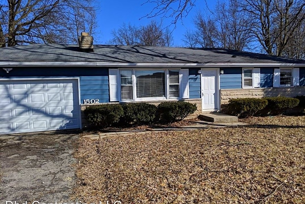 1502 W Dupont - 1502 E Dupont Rd, Fort Wayne, IN 46845