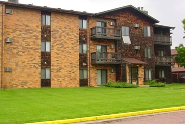 Terrace Hills Apartments - 2601 S Kiwanis Ave, Sioux Falls, SD 57105