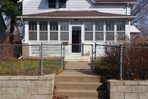1103 Lawson Ave E - 1103 Lawson Avenue East, St. Paul, MN 55106