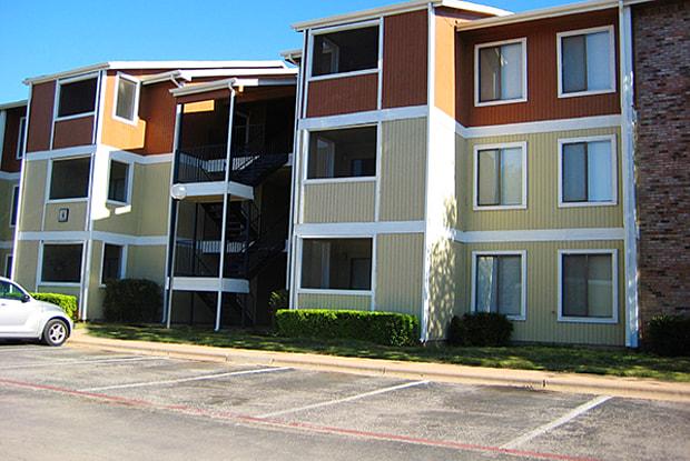Timber Ridge - 3602 Rolling Green Dr, Abilene, TX 79606