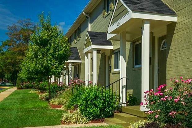 Kent Village - 6707 Hawthorne St, Landover, MD 20785