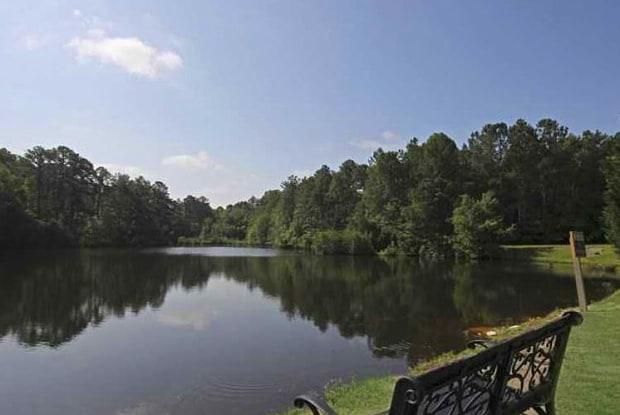 Lakehurst Apartments - 1000 Riverbank Dr, Spring Lake, NC 28390