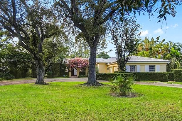 5030 Granada Blvd - 5030 Granada Boulevard, Coral Gables, FL 33146