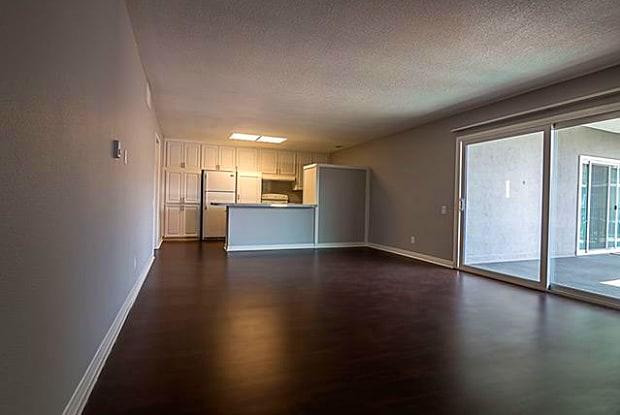 1001 Melrose - 1001 Melrose Ave, Glendale, CA 91202