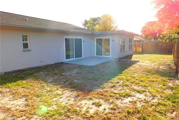 2080 SOUTHPOINTE DRIVE - 2080 Southpointe Drive, Greenbriar, FL 34698