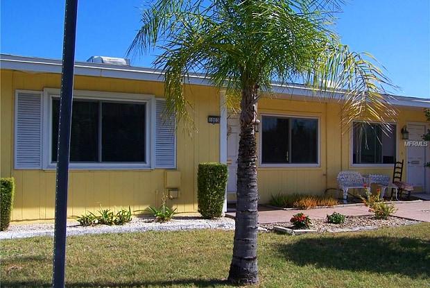 1003 RICKENBACKER DRIVE - 1003 Rickenbacker Drive, Sun City Center, FL 33573