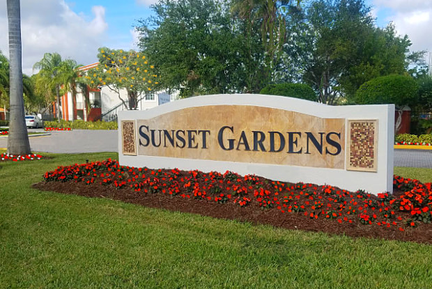 Sunset Gardens Apartments - 7400 SW 107th Ave, Kendall, FL 33173