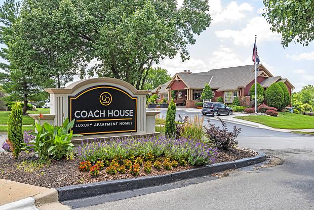 Coach House - 655 E Minor Dr, Kansas City, MO 64131