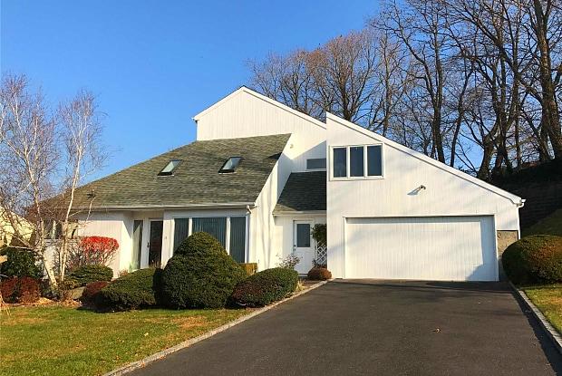 15 Merritt Ln - 15 Merritt Lane, Bayville, NY 11709