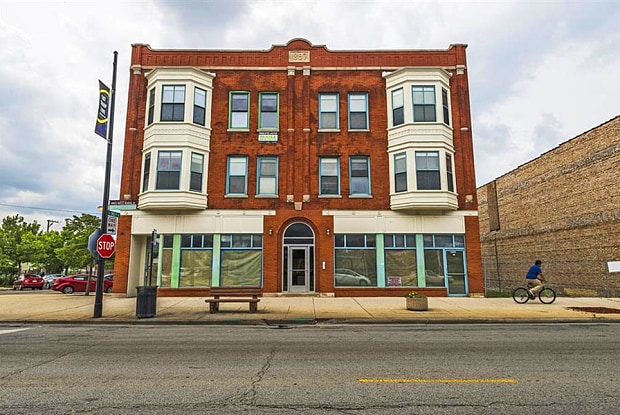 8954 S Commercial Ave - 8954 S Commercial Ave, Chicago, IL 60617
