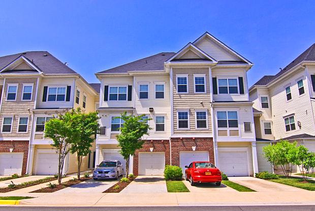 Barrington Park Apartments - 10275 Dorchester Pl, Manassas, VA 20110