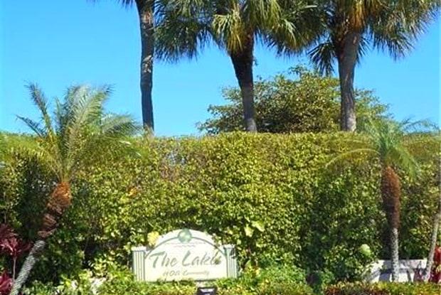 5121 E Lakes Dr - 5121 East Lakes Drive, Deerfield Beach, FL 33064