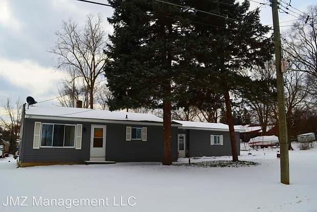 475 Conway St - 475 Conway Street, Walled Lake, MI 48390