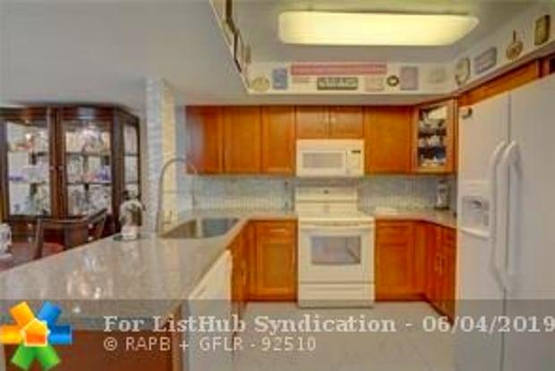 2710 NW RIVERSIDE DR - 2710 Riverside Dr, Coral Springs, FL 33065
