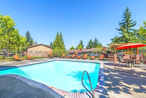 Surprise Lake Village - 2800 Queens Way, Milton, WA 98354