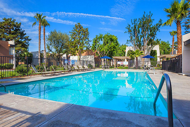 Serena Vista - 1000 Pacheco Rd, Bakersfield, CA 93307