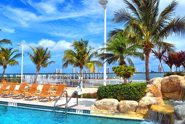 Marina Key - 913 Lake Shore Dr, Lake Park, FL 33403