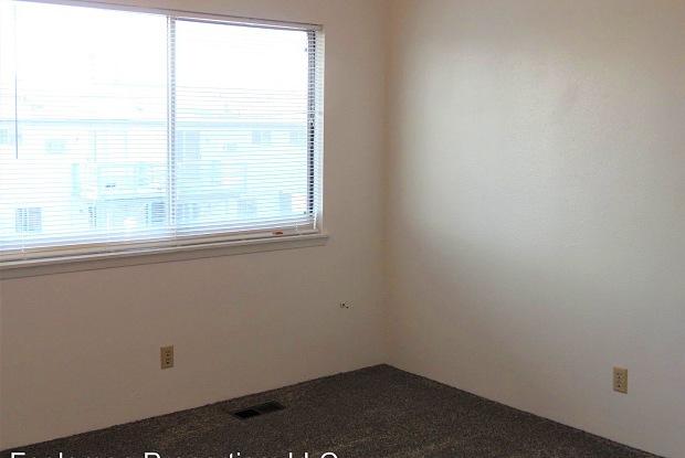 137 Dewey - 137 Dewey Street, Mountain Home, ID 83647