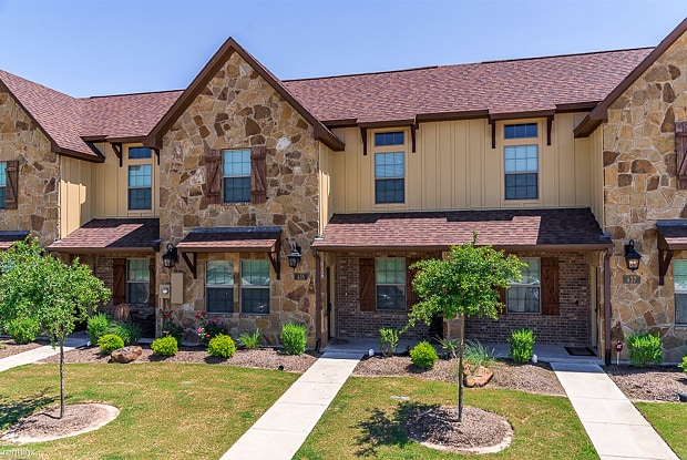 435 Momma Bear Dr - 435 Momma Bear Dr, College Station, TX 77845