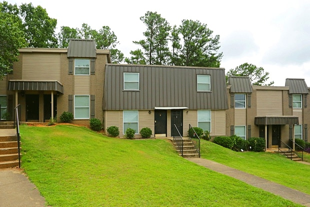 Cypress Gardens - 3132 Carousel Ct, Hoover, AL 35216