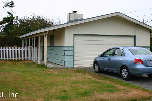 2914 D ST - 2914 D Street, Eureka, CA 95501