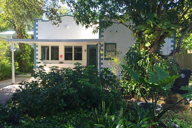 705 N Palmway - 705 North Palmway, Lake Worth, FL 33460