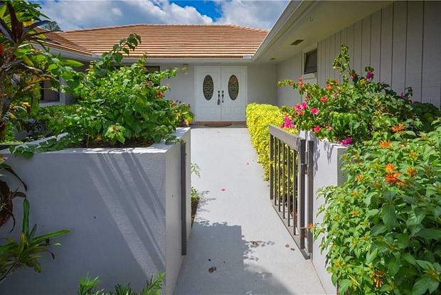 1443 SW Troon Circle - 1443 Southwest Troon Circle, Palm City, FL 34990