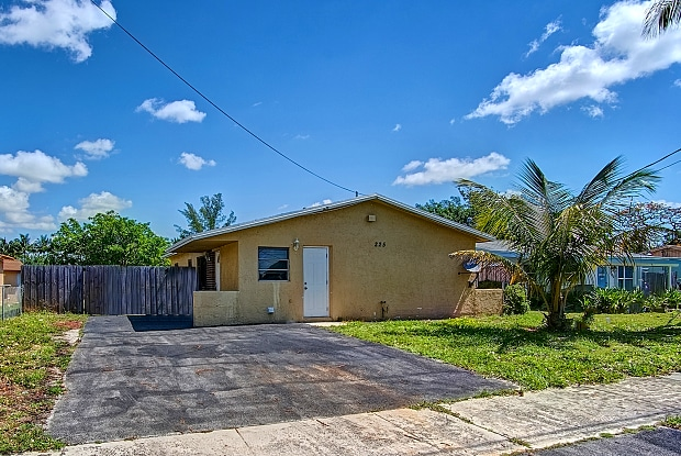 225 North West 7th Court - 225 NW 7th Ct, Deerfield Beach, FL 33441
