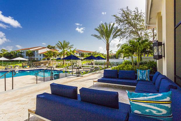 Arbor Oaks Apartments - 9817 Arbor Oaks Ln, Boca Raton, FL 33428