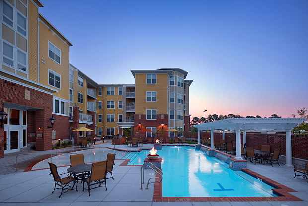 Aura at Towne Place - 745 Eden Way N, Chesapeake, VA 23320