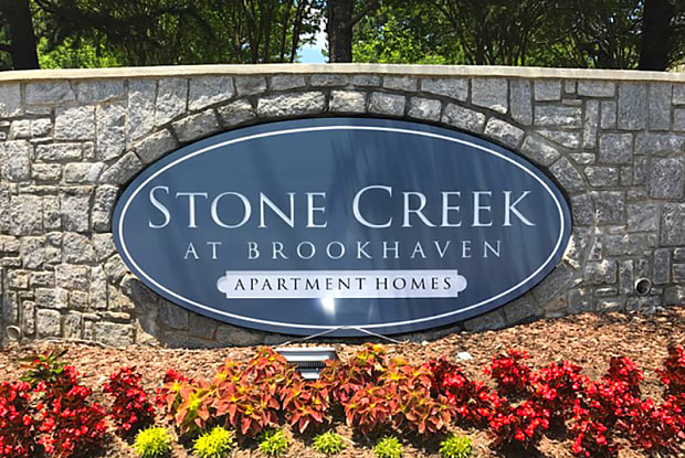 Stone Creek at Brookhaven - 1590 Northeast Expy NE, Atlanta, GA 30329