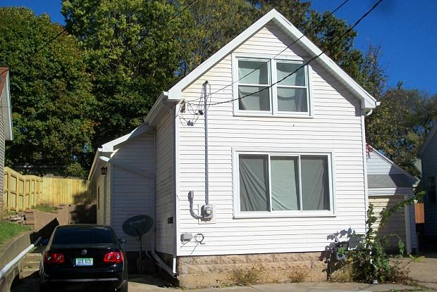 423 Brenner St NE - 423 Brenner Street Northeast, Grand Rapids, MI 49505