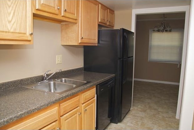 Highland Pointe Apartments - 5480 N Michigan Rd, Indianapolis, IN 46228