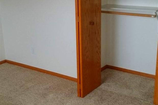 Ryan Drive Apartments - 306 Ryan Drive, Bismarck, ND 58501