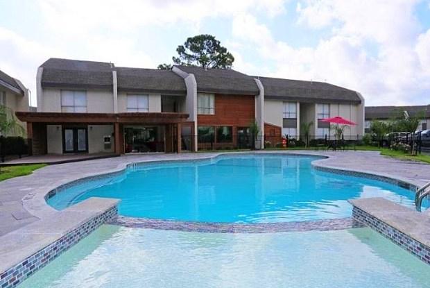 Woods Of Spring Grove - 7901 Amelia Rd, Houston, TX 77055