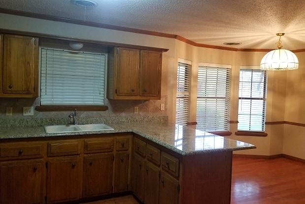 6403 HYDE PKWY - 6403 Hyde Parkway, Amarillo, TX 79109