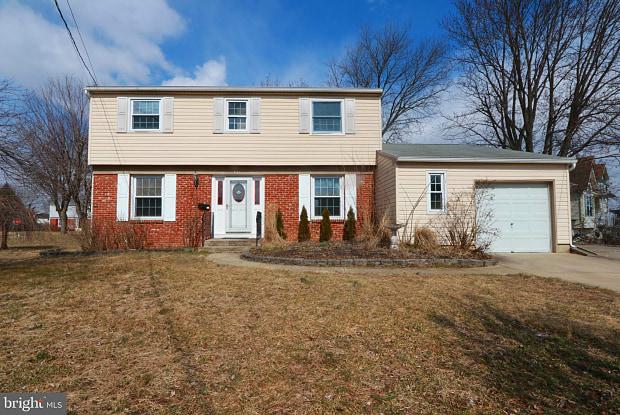 401 MACCLELLAND AVENUE - 401 Mc Clelland Ave, Glassboro, NJ 08028