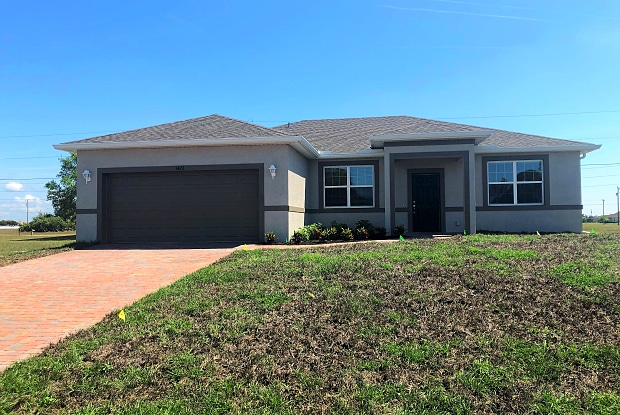 1423 NW 1st Ave - 1423 Northwest 1st Avenue, Cape Coral, FL 33993