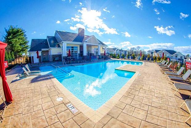 Springs at Hurstbourne - 9202 Bunsen Way, Louisville, KY 40220