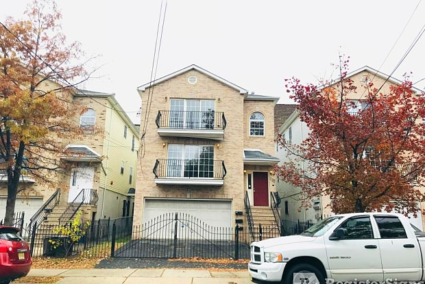 231 Badger Avenue - 231 Badger Avenue, Newark, NJ 07108