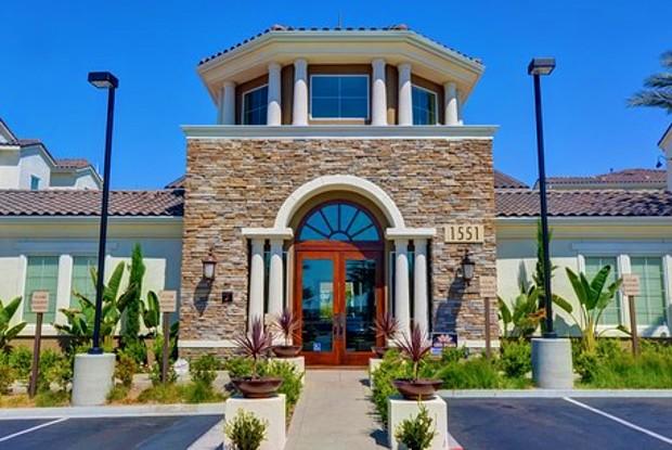 Rosina Vista - 1551 Summerland St, Chula Vista, CA 91913