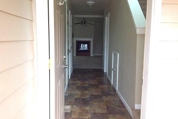 3075 SW Obsidian Ln - 3075 Southwest Obsidian Lane, Redmond, OR 97756