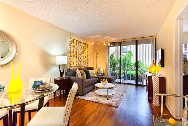 Meadow Walk Apartments - 15690 Bull Run Rd, Miami Lakes, FL 33014