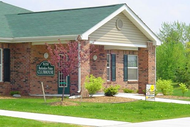 Burkeshire Pointe - 8250 Miller Rd, Swartz Creek, MI 48473